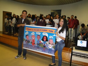 Aluno Silas (personagem do release) e aluna Mickaelle Adriane