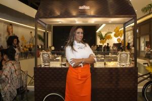 A Chef Elaine Moura leva agora as suas famosas pipocas gourmets ao Goiânia Shopping. Elas estarão disponíveis em um quiosque,  instalado em uma food bike. Credito - Karita Moraes.
