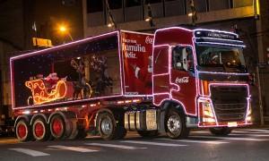caravana-iluminada-coca-cola