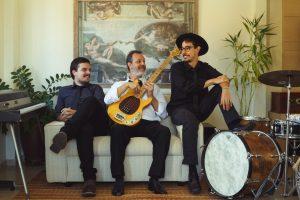 Tupy Trio (da esq para a dir_Alex McArthur, Fausto Valle Jr. e Lucas Tomé)_Foto de Délcio Gonçalves