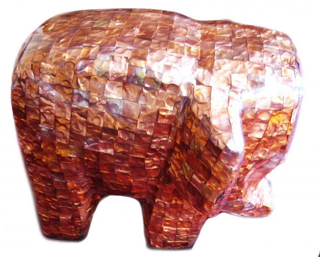 Copper Elephant - uma escultura de um elefante feito em cobre e resina (1)